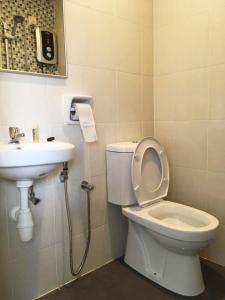 Brand New Town Villa Homestay @ Kampar [Near UTAR], Апартаменты  Kampar - big - 33