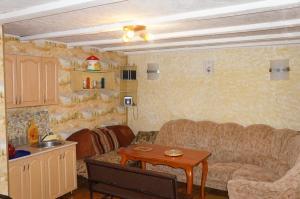Holiday Home On Gornolyzhnaya, Nyaralók  Novoabzakovo - big - 41