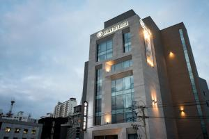 Brown-Dot Hotel Guseo, Hotel  Busan - big - 1