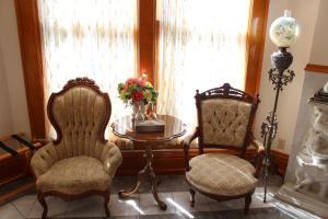 Henderson Castle Inn Bed and Breakfast
