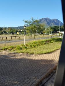 Gardenfly Guesthouse, Apartmány  Somerset West - big - 18