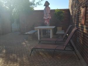 Gardenfly Guesthouse, Apartmány  Somerset West - big - 19