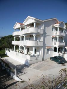Apartments Villa Happy, Ferienwohnungen  Tivat - big - 48
