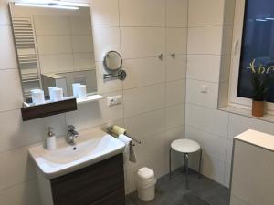 Haus Baltic Cube, Ferienwohnungen  Börgerende-Rethwisch - big - 186