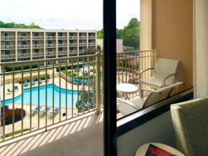 King or Double Room with Pool View