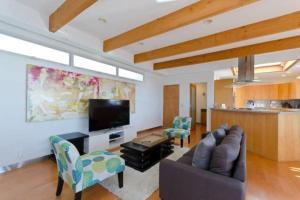 Luxury 3 Bedroom with View - El Segundo