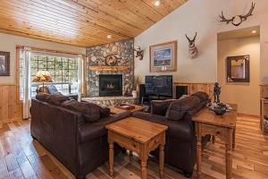 Wallowa with Western Charm Home, Дома для отпуска  Sunriver - big - 17