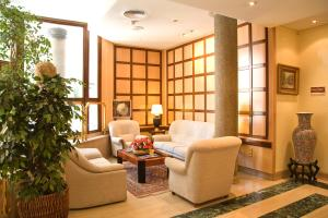 Hotel Tibur, Hotely  Zaragoza - big - 36