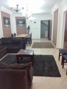 Sidi Bishr Furnished Apartments - Adnan Madnei 1 (Families Only), Apartmány  Alexandria - big - 59
