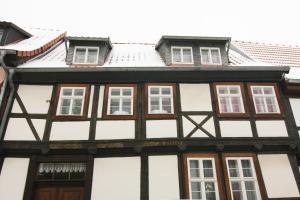 Urlaub im Fachwerk - Das Sattlerhaus, Apartments  Quedlinburg - big - 42