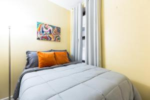 2 BR half a block from CENTER Times Square 42nd st