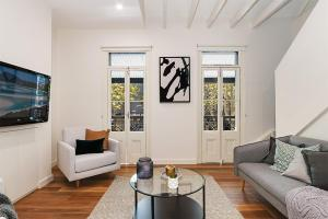 Pyrmont Self-Contained Two-Bedroom Apartment (2191HAR)