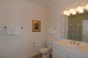 1112 Crow Creek Drive Condo, Apartmány  Calabash - big - 10