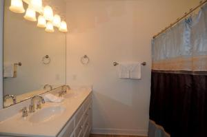 1112 Crow Creek Drive Condo, Apartmány  Calabash - big - 27