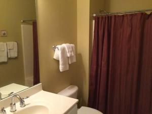 1202 Crow Creek Drive Condo, Apartmány  Calabash - big - 5