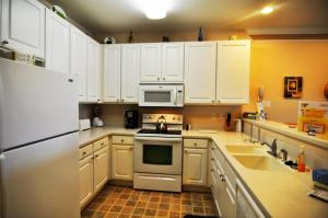 1322 Crow Creek Drive Condo, Apartments  Calabash - big - 2