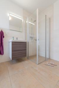 Haus Baltic Cube, Ferienwohnungen  Börgerende-Rethwisch - big - 153