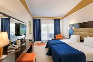 Maritim Pine Beach Resort, Resorts  Belek - big - 8