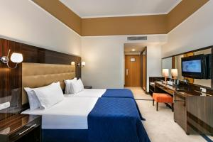 Maritim Pine Beach Resort, Resorts  Belek - big - 9