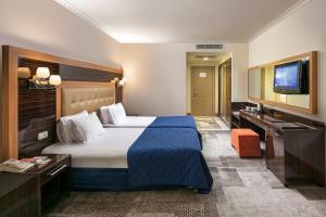 Maritim Pine Beach Resort, Resorts  Belek - big - 12