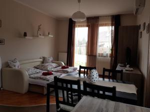 Magnólia Apartman, Ferienwohnungen  Gyula - big - 37