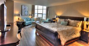 The Lonsdale Quay Hotel, Hotel  North Vancouver - big - 16