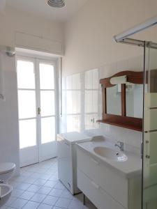 Bright apartment Turin center - AbcAlberghi.com