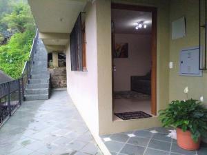 Apartamento próximo ao Centro de Gramado - Charmoso, Апартаменты  Грамаду - big - 14