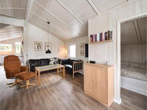 Holiday home Pøt Strandby Dnmk I, Дома для отпуска  Sønderby - big - 9