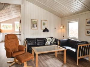 Holiday home Pøt Strandby Dnmk I, Дома для отпуска  Sønderby - big - 3