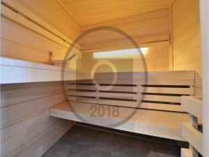 Six-Bedroom Holiday Home in Kastel Novi, Case vacanze  Kastel Novi - big - 4