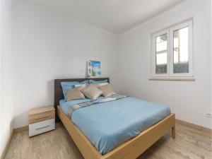 Three-Bedroom Holiday Home in Lovrecica, Prázdninové domy  Lovrečica - big - 4