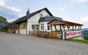 Pension Lebers Schinken-Alm, Guest houses  Winterberg - big - 43