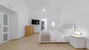 Iriana Apartments(Fira)