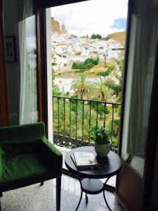 Apartamento El Burgo 30, Ferienwohnungen  Ardales - big - 2