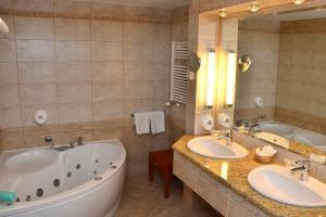 Silvanus Hotel, Hotels  Visegrád - big - 11