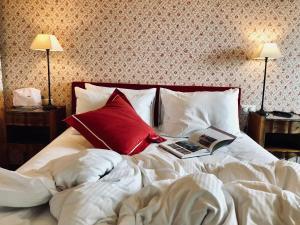 Dvoulůžkový pokoj s manželskou postelí Queen.