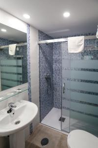 Apartamentos Buensol, Apartmanok  Torremolinos - big - 24