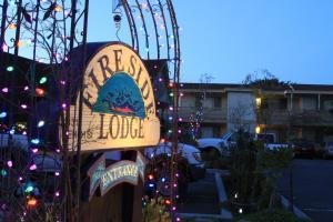 Monterey Fireside Lodge