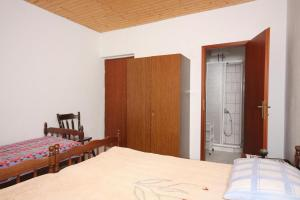 Apartment Nemira 6070a, Apartments  Omiš - big - 8