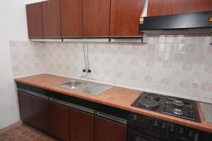 Apartment Nemira 6070a, Apartments  Omiš - big - 15