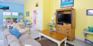 Cayman Dream, Vily  Driftwood Village - big - 9