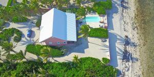 Cayman Dream, Vily  Driftwood Village - big - 3