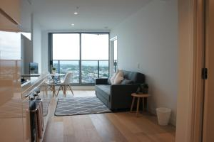 2007 2 bedroom apartment in Southbank