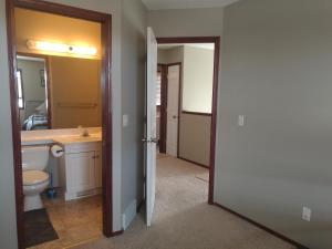 Calgary 3 or 2 Bedroom House, Vendégházak  Calgary - big - 23
