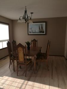 Calgary 3 or 2 Bedroom House, Vendégházak  Calgary - big - 13