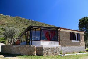 Il Giglio, Фермерские дома  Pettineo - big - 69