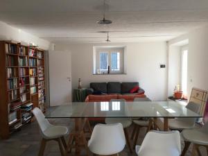 Stanza sul Naviglio Pavese - AbcAlberghi.com
