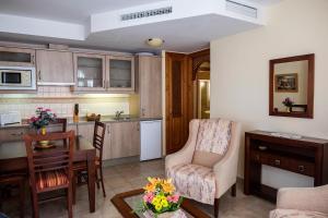 Apartamentos Turísticos Casa de La Borrega, Appartamenti  Estepona - big - 46