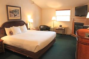 Fireside Inn & Suites Waterville, Отели  Waterville - big - 46